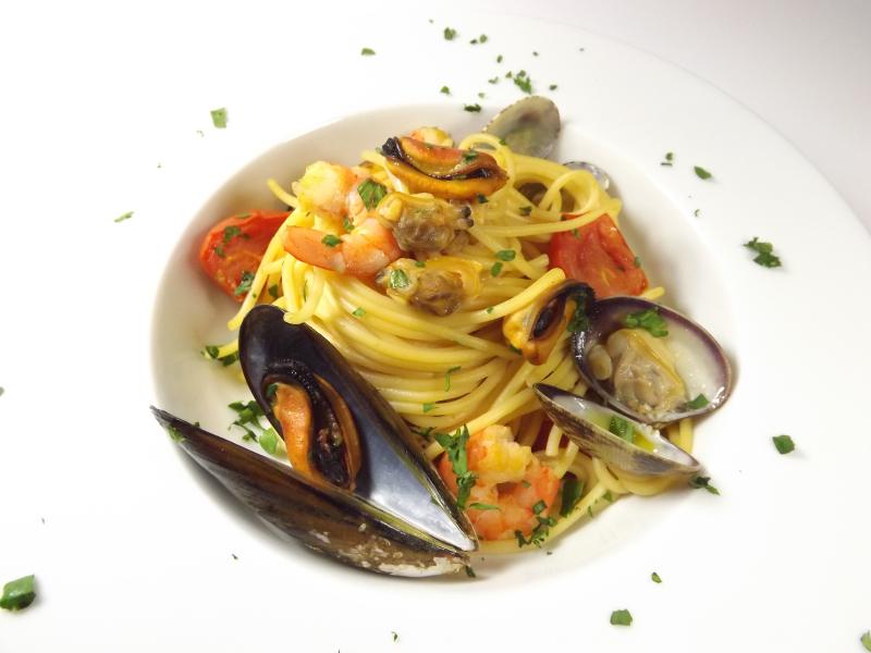 Spaghetti con crostacei e frutti di mare