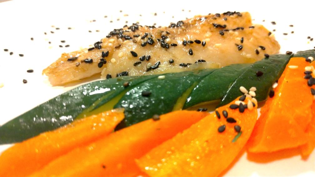 Tataki di cernia con verdure croccanti